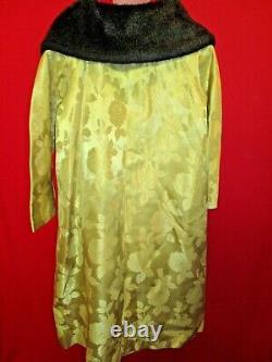 1950's Vintage Gold Rose Heavy Brocade Opera Coat Fur Collar Largesatin lined