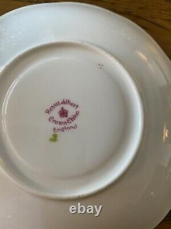 Vintage Royal Albert OLD ENGLISH ROSE Teacup & Saucer Heavy Gold Gilded Edges