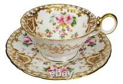 Antique Wedgwood Peint À La Main Roses Heavy Gold Porcelain Tea Cup And Saucer