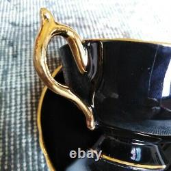 Paragon Black Teacup & Saucer Floating Red Chabage Rose Sur Heavy Gold Bowl