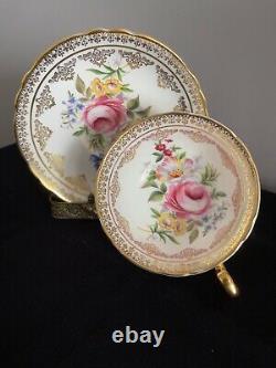 Paragon Tea Cup Saucer Grand Chou Rose Floral Pied D'or Lourd